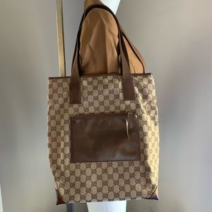 GUCCI - 💯Authentic, GG logo Canvas Shopping Tote